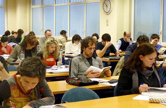 Alumnos preparando la prueba de acceso a la UPV 2013