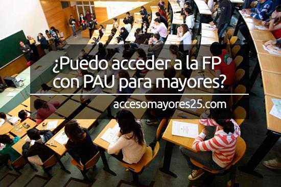 alumnos realizando la prueba de acceso a la universidad (PAU) para mayores de 25 años